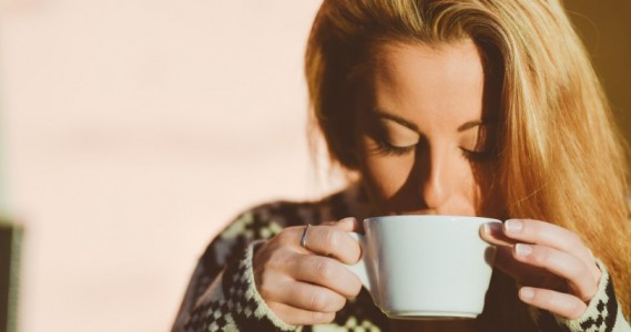 blonde-coffee-cup-5186-824x550
